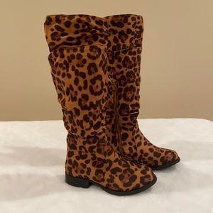 NWOT Girls Cheetah Print Boots
